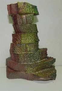 Otro tipo de torre hecha con trozo de corcho pegados